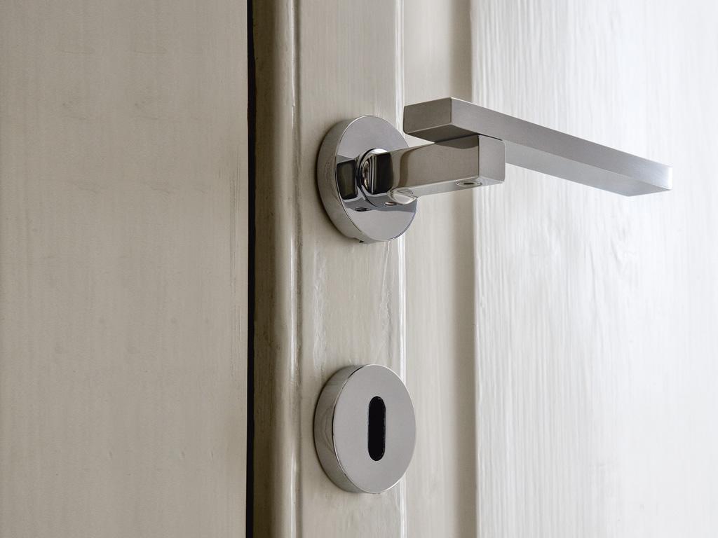 Lever door handles nz bordeaux door levers or knobs home - Maniglie porte interne ...